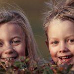 Siła dziecięcych wspomnień – sztuka tworzenia rodzinnych historii i anegdot + 52 pomysły [do pobrania]